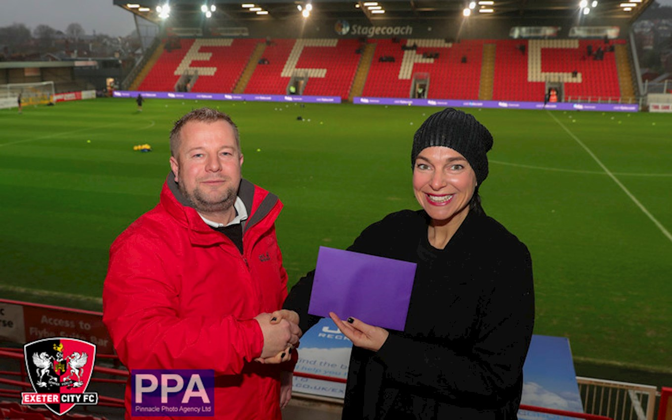 Winner Kevin Richards with Flybe's Maja Gedosev